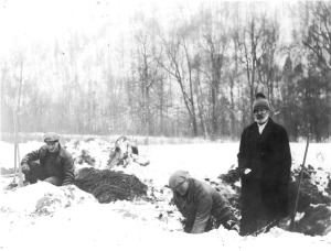 Winter excavations at the Hanna site.